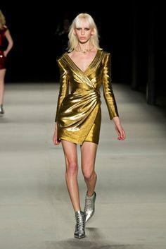 Saint Laurent at Paris Fashion Week Spring 2014 - Runway Photos Next Fashion, Fashion Week, Love Fashion, Runway Fashion, Fashion Models, High Fashion, Fashion Show, Fashion Design, Paris Fashion