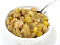 Delightfully Light and Fiber Rich Chicken and White Bean Chili - recipe calls for alot of spices I don't usually buy, but I might get creative!  The skinny for 1 cup is 256 calories, 3 grams of fat and 6 Weight Watchers POINTS PLUS. Hat's off to Ruby Tuesday's for their chicken and white bean chili.  It contains 228 calories, 8 grams of fat and 5 grams of fiber.