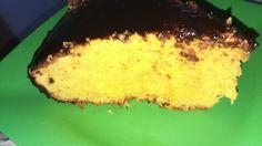 O segredo para o bolo de cenoura ficar fofinho é não colocar muita cenoura. Ao contrário do que se pensa, mais não é melhor.