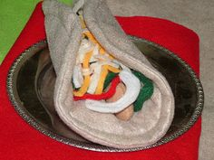 Helping Little Hands: Moving on to Fajitas - Chicken Pieces/Nuggets - Felt-Food Cook-Along Day 8