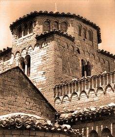 Ancona - chiesa Santa Maria di Portonovo Romanesque Architecture, Built Environment, 12th Century, Santa Maria, Louvre, Italy, Explore, History, Building