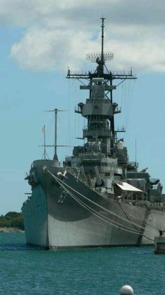 Us Battleships, Uss Iowa, Sports Nautiques, Uss Arizona, Navy Aircraft, Military Pictures, Home Defense, United States Navy, Navy Ships