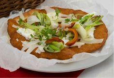 Vyprážaný osúch s cesnakovým dipom Tacos, Pizza, Mexican, Ethnic Recipes, Food, Basket, Essen, Meals, Yemek