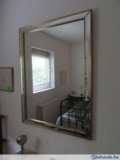 Mooie sterke spiegel van koper of messing of brons en de spiegelrand is 5 x facet geslepen. 114 cm x 86 cm Mirror Above Fireplace, Messing, Bathroom, Furniture, Home Decor, Washroom, Decoration Home, Room Decor, Full Bath