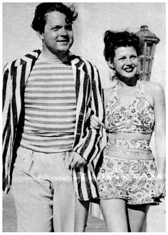 a young Orson Welles and Rita Hayworth