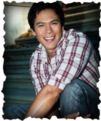 Chaske Spencer was born on March 9th,1975 of the Lakota Sioux tribe, and raised on Indian reservations in Montana and Idaho. He plays Werewolf Alpha SAM Uley.
