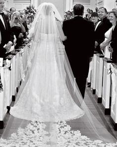 50 Must Have Wedding Photos