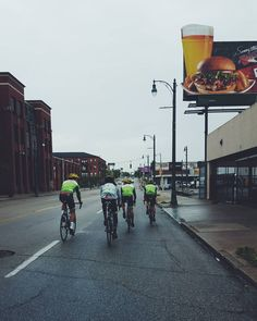 #fbf to when the guys dropped me on a coffee shop ride in Memphis Tennessee #vscocam #procycling #wymtm #ridecannondale #Cycling #greengang #InspireToAchieve #outsideisfree #fromwhereiride by amourdevelo