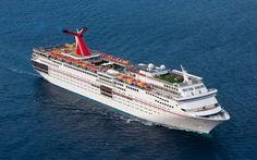 Guardia Costera de EEUU busca a pasajera que cayó al mar desde el Carnival Ecstasy