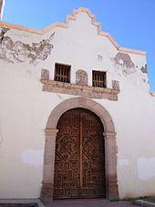 Templo de San Carlos Borromeo (Aldama, Chihuahua) - Travel Ideas, Notre Dame, Chihuahua, Mansions, House Styles, Building, Home, San Carlos, Temple