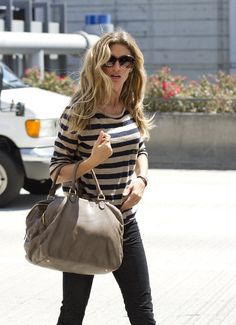 Gisele Bundchen Leather Tote - Gisele traveled in style at LAX with a striped tee paired with a taupe leather tote.