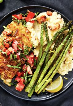 Bruschetta Chicken Easy chicken dinner with bacon mashed potatoes and asparagus Hello Fresh Recipes, Hello Fresh Meals, Bacon Mashed Potatoes, Quiche, Bruschetta Chicken, Cooking Recipes, Healthy Recipes, Keto Recipes, Chicken Recipes