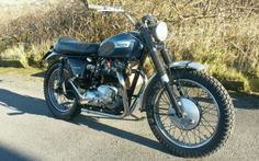 Triumph-Bonneville-T120r-Desert-Sled-1969-Twinshock-BSA-T120TT-Vintage