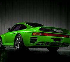 Green Porsche 959