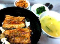 薄味派なので鰻以外自作。 - 60件のもぐもぐ - 麦ごはんの鰻丼、キムチ納豆、ほうれん草のおひたし、しじみ汁 by YUKIysm