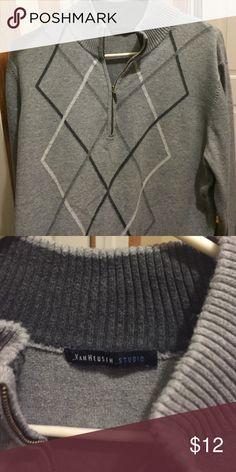 Long sleeve Van Heusen sweater Long sleeve grey pattern on front quarter zip Van Heusen Shirts Sweatshirts & Hoodies