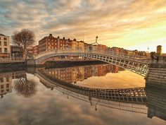 """DiscoverDublin on Instagram: """"The Ha'penny Bridge was built in 1816 and was one of the earliest cast-iron structures of its kind. It is a single span structure with cast…"""" Cast Iron, It Cast, Bridge, Places To Visit, Building, Travel, Image, Instagram, Viajes"""