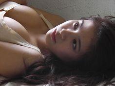 【画像】「めざましテレビ」で話題のスレンダー美女が大胆ビキニを披露wwwwwww   動ナビブログネオ