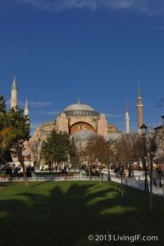 Photo guide to visiting Istanbul. See the amazing sights and things you can do while in Istanbul, Turkey. Visit Istanbul, Istanbul Turkey, Travel Guides, Taj Mahal, Dolores Park, Building, Winter, Winter Time, Buildings