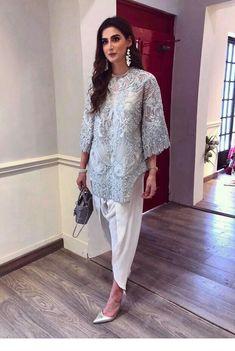 Grey lace blouse and white pants Pakistani Frocks, Pakistani Formal Dresses, Pakistani Couture, Pakistani Outfits, Indian Dresses, Indian Outfits, Pakistani Salwar Kameez, Frock Fashion, Women's Fashion Dresses