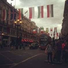 Regent street full of flags getting ready for the Olympics | Instagram user : marimarmat