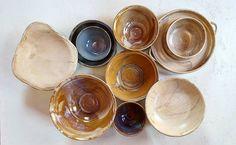 """26 kedvelés, 1 hozzászólás – Ceramiss Ceramic (@ceramiss) Instagram-hozzászólása: """"Kis tál, nagy tál, gyümölcsös tál, müzlistál, sütistál :) #ceramicbowl #tál #edény…"""" Serving Bowls, Ceramics, Tableware, Instagram, Decor, Ceramica, Pottery, Dinnerware, Decoration"""