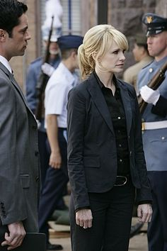 Kathryn Morris and Danny Pino in Cold Case