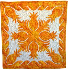 Hawaiian quilt, pineapples, by Carrie Fondi. Workshop at Road to California.