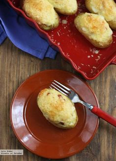 patatas rellenas de jamón y queso Nut Recipes, Potato Recipes, Vegetable Recipes, Great Recipes, Dessert Recipes, Cooking Recipes, Favorite Recipes, Delicious Recipes, Tasty