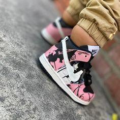 "Little Run®👟 SNK Community on Instagram: ""Good Morning 😍 @hiero.yooooo . . #nike #nikedunk #babydunk #dunk #nikebaby #babynikes #littlerunsneakers #babysneakers"" Baby Sneakers, Baby Feet, Nike Dunks, Community, Running, Shoes, Instagram, Baby Tennis Shoes, Zapatos"