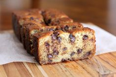 5 Mimutes Cake Banana cake and pieces of chocolate with Thermomix , Thermomix Desserts, Köstliche Desserts, Delicious Desserts, Dessert Recipes, Yummy Food, Brunch Recipes, Delicious Chocolate, Chocolate Chip Cookies, Chocolate Chip Banana Bread