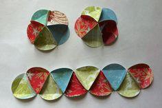 New diy paper garland circles christmas ornament Ideas Paper Christmas Ornaments, Christmas Card Crafts, Christmas Projects, Handmade Christmas, Holiday Crafts, Christmas Crafts, Christmas Decorations, Felt Christmas, Crafty Ideas