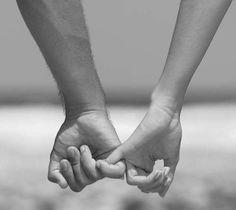 Cuando te dan la mano sin pedirla. Seguro que al final vas a ser TÚ QUIEN ME CURE.