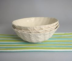 Cable knit ceramic bowls