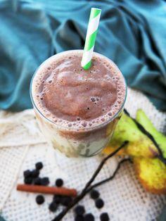 Antipastaa: Suklaa-päärynäproteiinismoothie (gluteeniton, sokeriton, maidoton, munaton, paleo, vegaaninen)