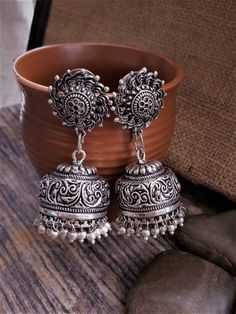 Gold And Silver Earrings Hoops Key: 1171127779 Antique Jewellery Designs, Fancy Jewellery, Silver Jewellery Indian, Stylish Jewelry, Silver Jewelry, Fashion Jewelry, Silver Ring, Silver Earrings, Antique Jewelry