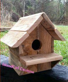 Pallet bird box