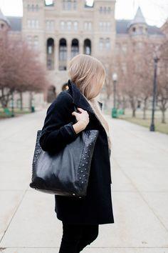 All black winter outfit in Salt Lake CIty, Utah
