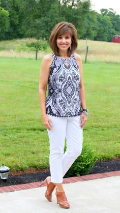 think i have a pattern for a top like this...26 Days of Summer Fashion (Day 18)