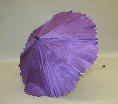 Parasol, 19th c. French, silk w/ pinked scalloped edge
