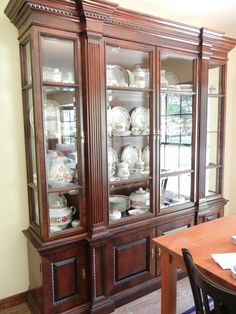 china cabinet - gorgeous - perfect for storage and display China Cabinets And Hutches, Crockery Cabinet, Dining Cabinet, China Cabinet Display, Cabinet Decor, Cabinet Design, Furniture Catalog, Fine Furniture, Kitchen Furniture