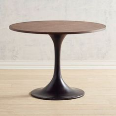 Tulip Black Cafe Dining Table plus really cute chairs that got with it. Small Living Room Design, Dining Room Design, Dining Room Walls, Living Room Kitchen, Kitchen Nook, Kitchen Dinning, Kitchen Storage, Kitchen Cabinets, Small Dining