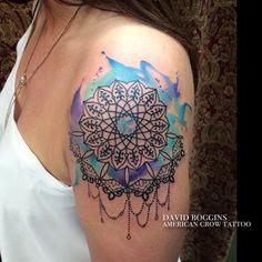 La belleza de los mandalas a través del tatuaje de acuarela