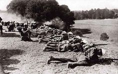 The Battle of Marne (September 1914) initiated trench warfare/ The Battle of Marne brought an end to the first mobile phase of the war. After a communication breakdown, Helmuth von Moltke the Younger's army dug in at the River Aisne.