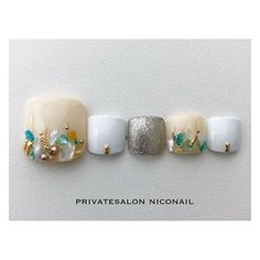 春/夏/オフィス/デート/フット - NICONAILのネイルデザイン[No.3034494]|ネイルブック Pretty Toe Nails, Cute Toe Nails, Super Cute Nails, Toe Nail Art, Love Nails, Pedicure Designs, Toe Nail Designs, Bridal Nails, Wedding Nails