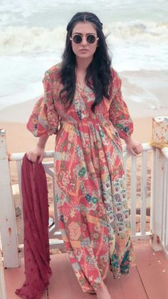 Sara Khan Pakistani, Pakistani Actress, Pakistani Dresses Casual, Pakistani Salwar Kameez, Indian Designer Wear, Fashion Books, Cut And Style, Cute Dresses, Celebrity Style