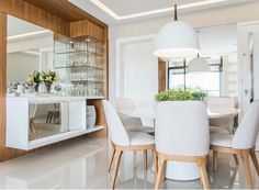 between the column and the wall separating living and dining room Crockery Cabinet, Home Bar Designs, Luxury Dining Room, Dining Table Design, Home And Deco, Dining Furniture, Decoration, Kitchen Design, Sweet Home