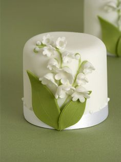 Lily of the Valley mini cakes by Peggy Porschen. So simple, but would be perfect addition for a green wedding theme.