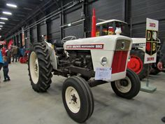 DB 990 Vintage Tractors, Old Tractors, Vintage Farm, Agriculture Tractor, Classic Tractor, Case Ih, Logs, Rolls Royce, Videos