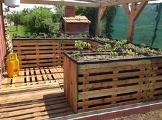 "Updated : Ergonomic and cheap pallet garden. [symple_toggle title=""More information"" state=""closed""] Submitted by: Sorin Chiriac ! [/symple_toggle]"